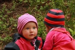 Cecilia und Ines in der Sandkiste__klein